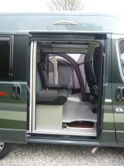 Twin 500S Side door