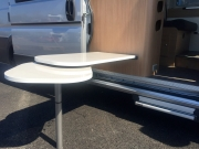 Flexo alfresco table
