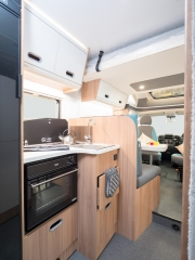 SunLiving S70SP kitchen and cupboards