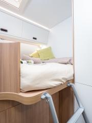 SunLiving S70SP rear bed ladder