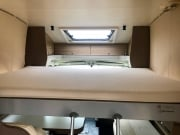 Adria Matrix Axess 590SG dropdown bed