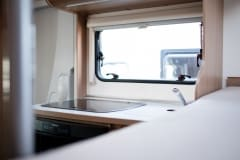 190118_MHC_motorhome_MRV-SunLiving-A35-Lido-4-berth-motorhome-for-hire-in-Bristol_019