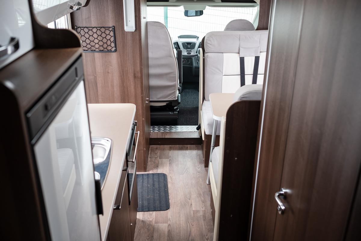 HNB-zefiro-690-rollerteam-6-berth-luxuryPLUS-_0031