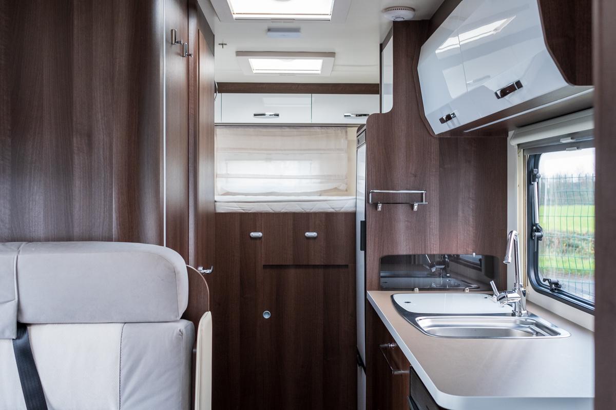 HNB-zefiro-690-rollerteam-6-berth-luxuryPLUS-_005