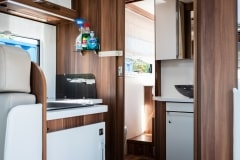 190621_MHC_motorhome_T-Line-Iona-4-berth-luxury-motorhome-for-hire-Bristol-Somerset_lowres_011