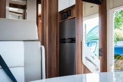 190621_MHC_motorhome_T-Line-Iona-4-berth-luxury-motorhome-for-hire-Bristol-Somerset_lowres_013