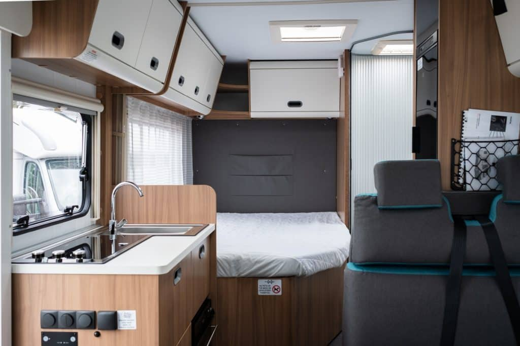 french bed motorhome - 6 berth - S70DF - Bristol